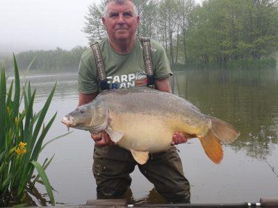carp capture fishing in france. L'angottiere carp fishery