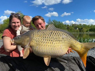carp capture fishing in northen france. L'angottiere carp fishery